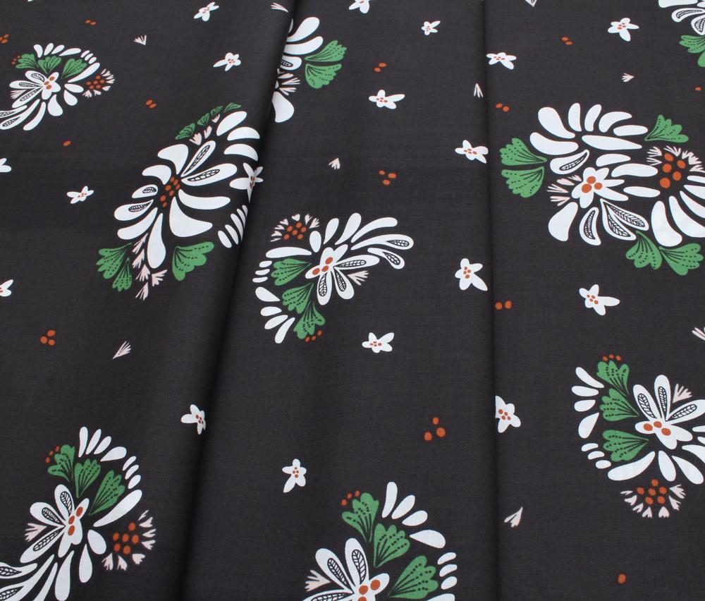 Cloud9 Fabrics Fanciful 208401 Bouquet Toss Black