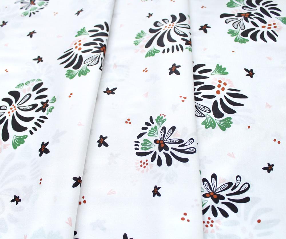 Cloud9 Fabrics Fanciful 208402 Bouquet Toss White