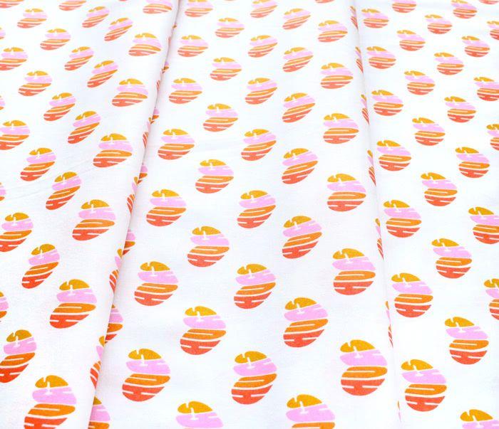 Cloud9 Fabrics Universal Love 227024 Heart Hugs