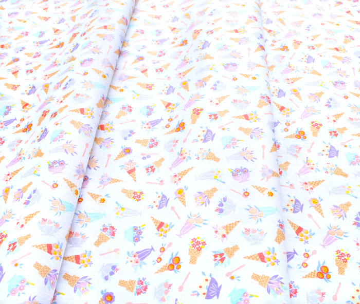 Camelot Fabrics Ice Cream Blossoms 27200701-1 Blossoms White