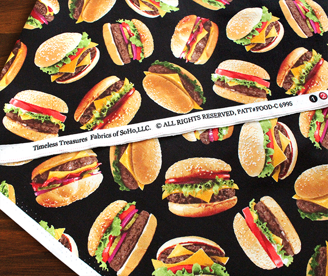 Timeless Treasures King of The Grill C6995-BLACK Tossed Burgers